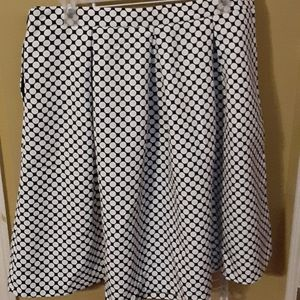 Sz 20 - NY&Co pokadot pleated skirt w/pockets